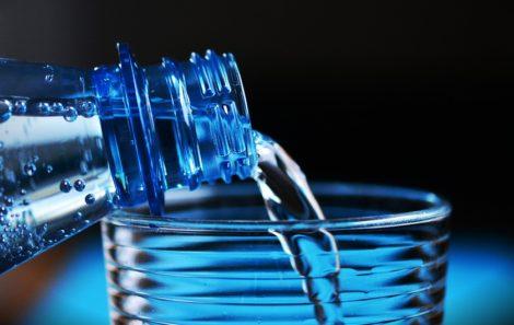 Altera o regime da qualidade da água para consumo humano.