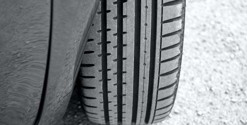 caucho granulado y el polvo de caucho obtenidos de neumáticos