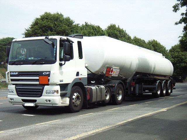 Terceira Alteração ao Acordo Europeu Relativo ao Transporte Internacional de Mercadorias Perigosas por Estrada (ADR 2015)