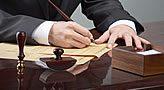 Agiliza la verificación del cumplimiento legal.